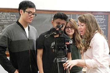 Nhà báo sinh viên: Tương lai của nền báo chí hiện đại
