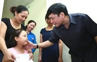 Chủ tịch Tổng LĐLĐVN thăm gia đình các chiến sĩ trên máy bay CASA 212