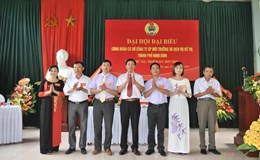 CĐCS Cty CP Môi trường và Dịch vụ đô thị TP.Ninh Bình tổ chức đại hội điểm