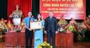 Hòa Bình: LĐLĐ huyện Lạc Thủy nhận Huân chương Lao động Hạng 2