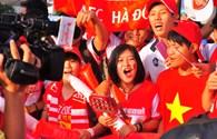Trận Việt Nam - Arsenal: Cổ động viên khuấy động Mỹ Đình