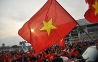 Ngợp trời sắc đỏ tưng bừng trước trận Việt Nam - Malaysia ở Mỹ Đình
