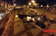 Chùm ảnh tai nạn kinh hoàng taxi đâm 7 xe máy trên cầu vượt Thái Hà - Chùa Bộc