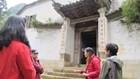 Phụ nữ Mông ở Hà Giang  làm du lịch