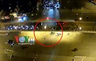 Lái xe taxi bị truy đuổi, dọa đánh hoảng loạn bỏ chạy gây tai nạn?