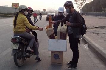 """Lao động tự do ngoại tỉnh ở Hà Nội: Căng sức """"kiếm Tết"""" ngày cuối năm"""