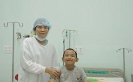Người mẹ hiến nửa lá gan để cứu sống con trai