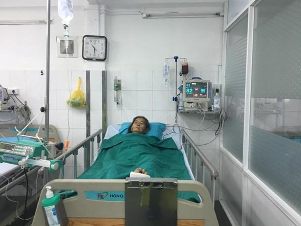 Bà cụ điều trị tại Bệnh viện Sài Gòn ITO (Ảnh: M.Thương)