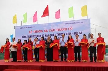"""Quảng Trị: Thông xe cây cầu """"tri ân"""" bắc qua sông Thạch Hãn"""