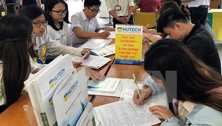 """Hơn 120.000 thí sinh từ chối nhập học: Đại học không còn là """"học đại""""!"""