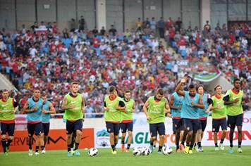 Sẽ mở cửa sớm cho khán giả vào sân xem trận VN - Arsenal