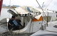 Cận cảnh con tàu bị chìm làm 9 người mất tích ở TPHCM