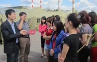 Đại diện ĐSQ Việt Nam tại Nga tới thăm lao động bị bắt giữ