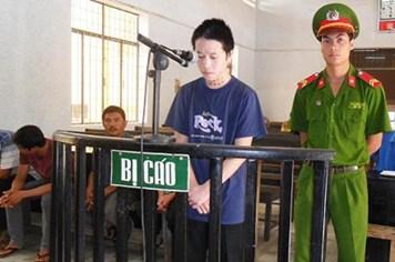 Hiếp dâm con gái chủ phòng trọ, lĩnh án 14 năm tù