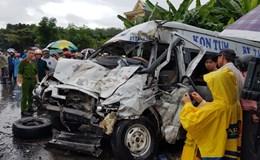 Hai xe khách tông nhau trực diện, 14 người thương vong