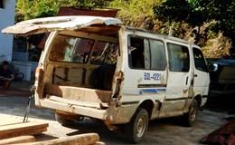 Kiểm lâm Phong Nha Kẻ Bàng bắt xe khách chở gỗ lậu