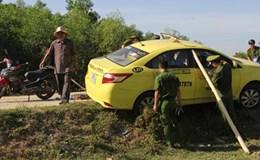 Tài xế taxi bị hành khách đâm nhiều nhát giữa đêm