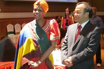 Đại sứ Nam Phi kêu gọi giúp người dân Việt Nam có hoàn cảnh khó khăn
