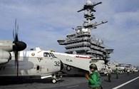"""Siêu tàu sân bay Mỹ """"diễu"""" qua bãi cạn Scarborough"""
