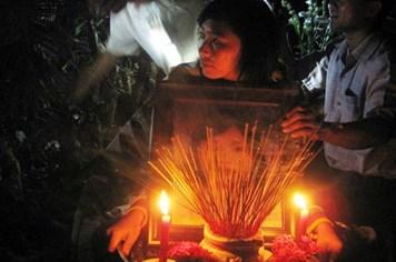 Tro cốt cô dâu Việt tự tử đã được đưa về nước