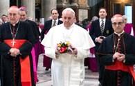 Tân giáo hoàng gây sốc ở Vatican
