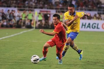 """Việt Nam 1-7 Arsenal: Xứng danh """"pháo thủ"""""""
