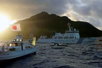 Tàu Trung Quốc thả cờ vào đảo Senkaku khiêu khích Nhật Bản