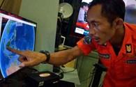 CẬP NHẬT từng phút vụ máy bay Air Asia mất tích: Tạm dừng tìm kiếm vì thời tiết xấu