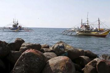 Lực lượng tuần duyên Trung Quốc bị tố cướp bóc ngư dân Philippines