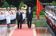 Hình ảnh: Chuyến thăm lịch sử của Thủ tướng Anh tới Việt Nam