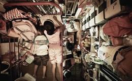 Những bức hình hé lộ cuộc sống thực đằng sau một Hong Kong hoa lệ