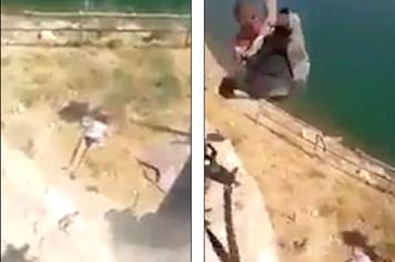 Binh sĩ Iraq hành quyết chiến binh IS man rợ gây kinh hoàng