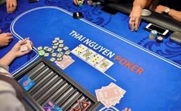 """""""Con đẻ"""", """"con nuôi"""" và nguy cơ loạn CLB Poker"""