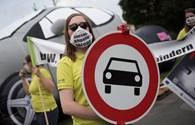 Cuộc chiến cấm xe chạy diesel: Nguy cơ hàng tỉ euro bốc hơi