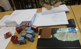 Từ phản ánh của Báo Lao Động, Công an bắt đối tượng buôn bán giấy khám sức khỏe giả