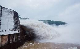 Mở cửa xả lũ thủy điện Hòa Bình và Sơn La