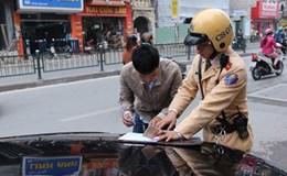 Từ 15.8, Hà Nội sẽ xử lý xe hợp đồng không gắn phù hiệu và thiết bị giám sát hành trình