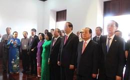 Chủ tịch Nước Trần Đại Quang dâng hương Chủ tịch Hồ Chí Minh tại Bến Nhà Rồng