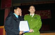 Từ nụ cười Nguyễn Thanh Chấn nghĩ về ánh sáng công lý