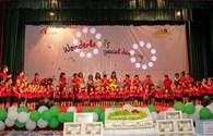 Cô trò trường Wonderland Preschool ủng hộ chương trình Mừng tuổi thắp sáng mái trường vùng cao