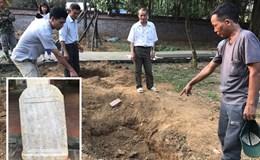 Phát hiện tấm bia đá thời vua Khải Định ở Sơn Tây