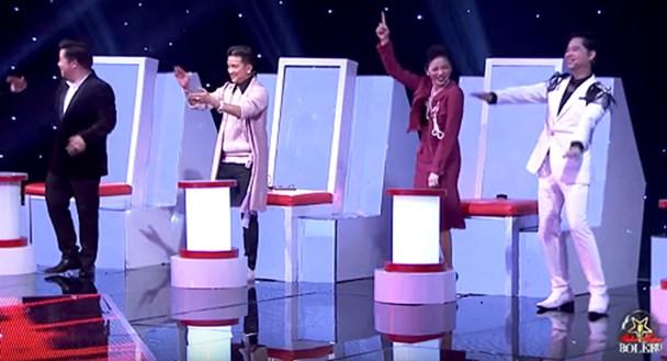 4 HLV rời ghế nhún nhảy theo phần trình diễn bolero kết hợp beatbox của Chu Hoàng Tuấn. Ảnh: VTV.