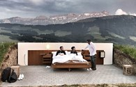 """Kỳ lạ """"khách sạn ngàn sao"""" giá """"cắt cổ"""" trên đỉnh núi luôn kín khách"""