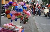 """Quà Valentine: """"Hoa hồng xanh"""" lãng mạn chỉ có giá 35 nghìn đồng"""