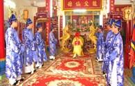 Người dân Khánh Hòa và du khách trang trọng tổ chức giỗ tổ Hùng Vương
