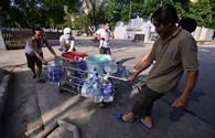 Vỡ đường ống dẫn nước sông Đà: Bệnh viện lao đao vì mất nước