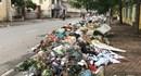 Phố Hà Nội ngập rác vì bãi Nam Sơn bị dân chặn xe không cho xe vào đổ