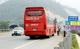 Nguy hiểm việc dừng xe cho khách đi vệ sinh trên đường cao tốc