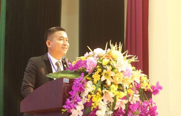 Luật sư Hoàng Ngọc Thanh Bình – Đoàn luật sư Hà Nội tư vấn các câu hỏi và một số trường hợp liên quan đến pháp lý cho NLĐ. Ảnh: Trần Vương