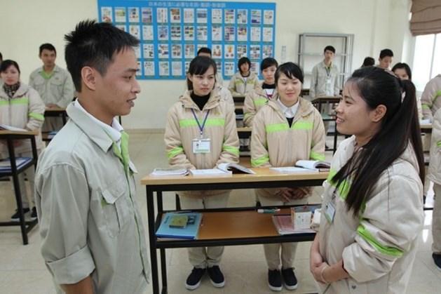 Người lao động học ngoại ngữ trước khi đi xuất khẩu lao động. Ảnh minh họa. HẢI NGUYỄN
